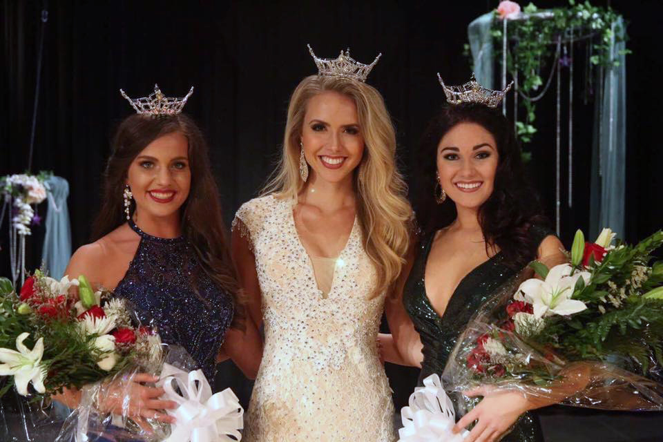 Jessica Procter, Miss Alabama 2017 and Miss Leeds Area 2017, crowned Bailey Kennon as the new Miss Leeds Area 2018. Her Rising Star is Zoie Cleveland.